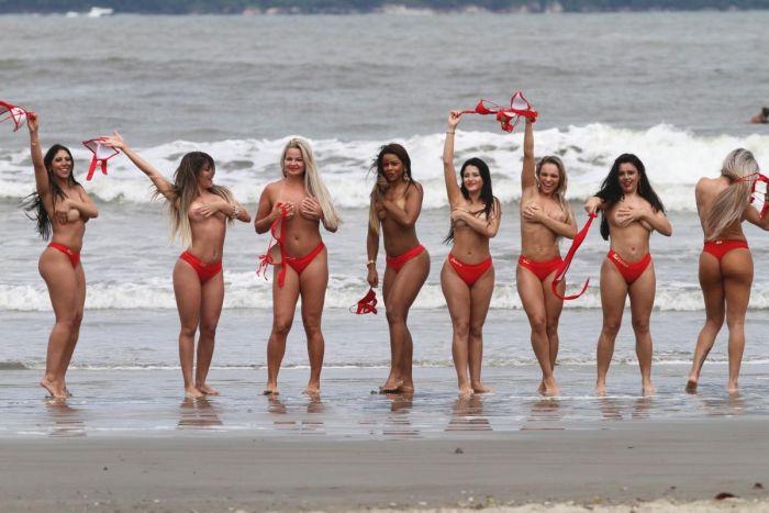 Финалистки конкурса «Мисс Бразильские ягодицы 2014» (13 фото)