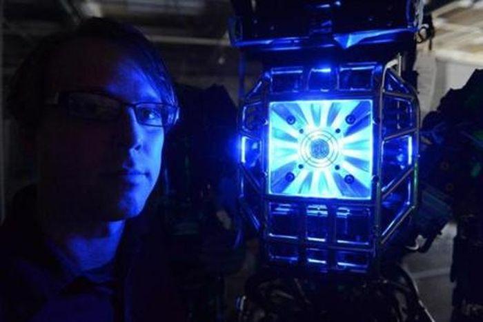 Робот по имени ЯН освоил движения из фильма «Карате-пацан» (5 фото)