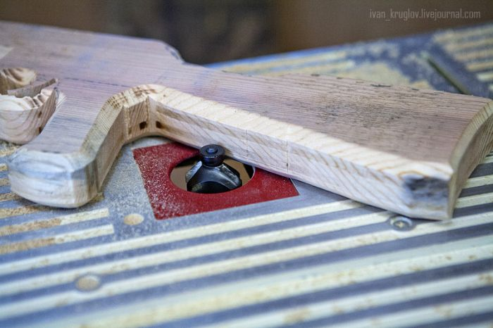 Фотоотчет по изготовлению деревянного автомата Калашникова (24 фото)