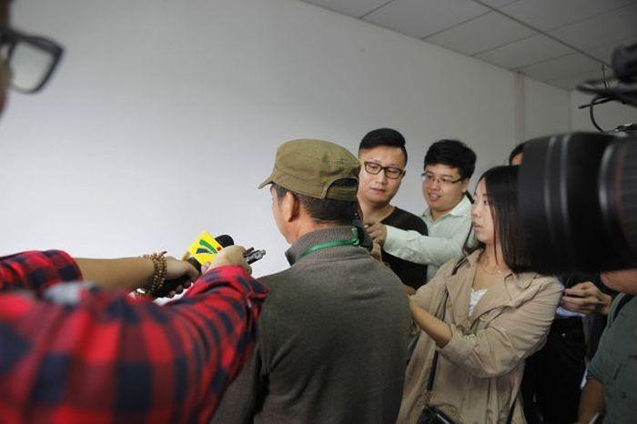 В Гонконге задержали кампанию стритрейсеров (16 фото)