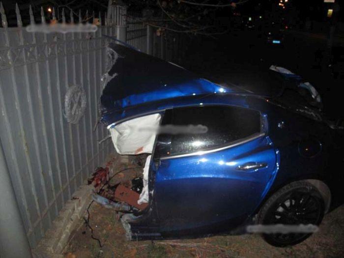 В центре Киева произошло ДТП с автомобилем Maserati (7 фото)
