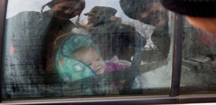 Эвакуаторщики увезли авто с 4-месячным ребенком (2 фото)