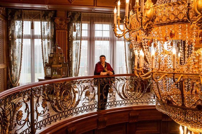 Музей роскошной жизни олигарха Межигорье (26 фото)