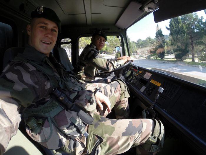 День жизни солдата из Французского Иностранного легиона (37 фото)