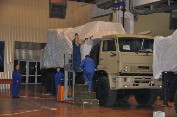 Фоторепортаж о посещении военного завода «Щегловский вал» (15 фото)