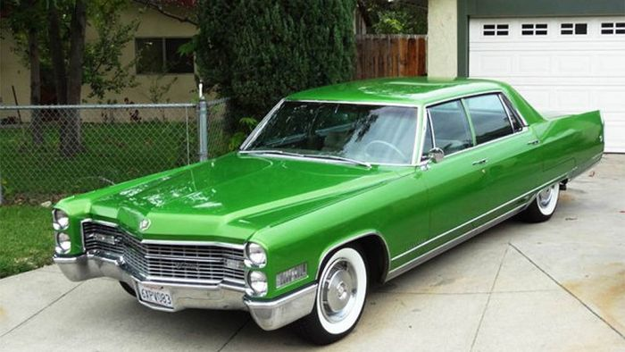 История культовых для американцев автомобилей Cadillac (32 фото)