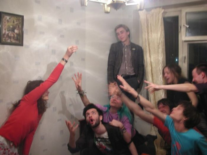 Развлечения солевой наркоманки Лады и ее друзей (60 фото)