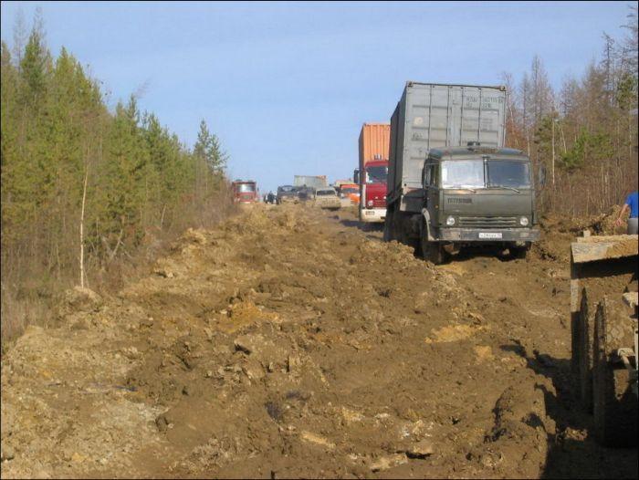 Дорожный ад на федеральной трассе «Лена» (24 фото)