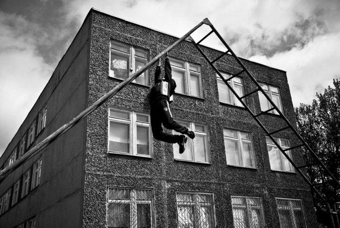 Подросток, который был вынужден стать героем (30 фото)
