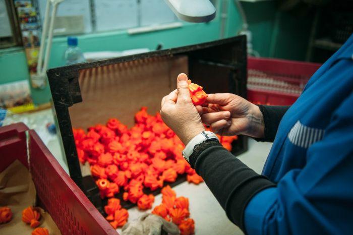 Фотоотчет с посещения фабрики детских игрушек (32 фото)