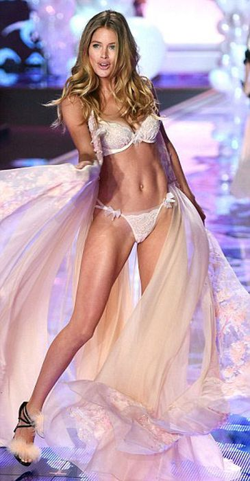 В Лондоне прошла премьера новой коллекции белья Victoria's Secret (74 фото)