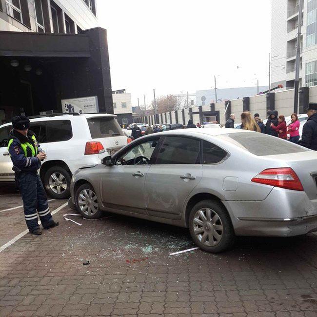 На парковке бизнес-центра задержан неадекватный водитель (2 фото + видео)