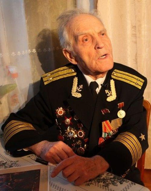 Николай Беляев - единственный живой герой, штурмовавший Рейхстаг (4 фото)