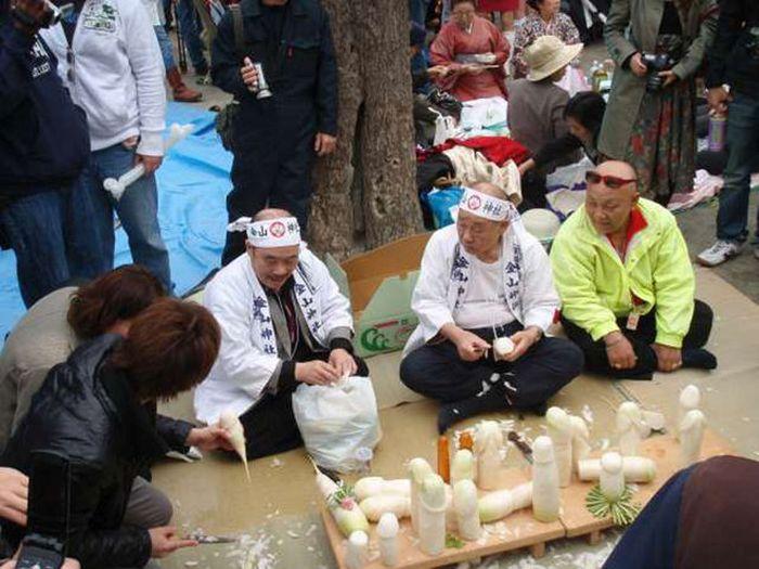 Канамара-мацури или «Фестиваль железных пенисов» (21 фото)