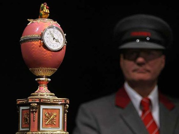 Эрмитаж получил от Путина яйцо Фаберже за 1 миллиард рублей (4 фото)