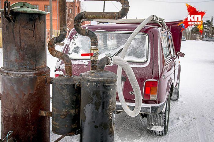 Жители Омска перевели «Ниву» на твердое топливо (8 фото + видео)