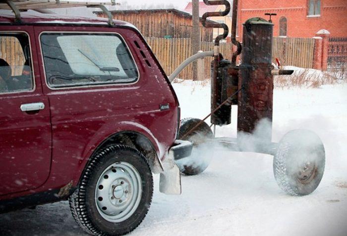 Жители Омска перевили «Ниву» на твердое топливо (8 фото + видео)