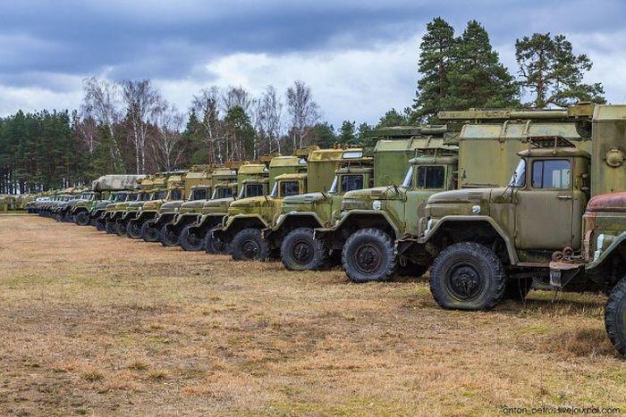 Прогулка по белорусскому супермаркету военной техники (22 фото)