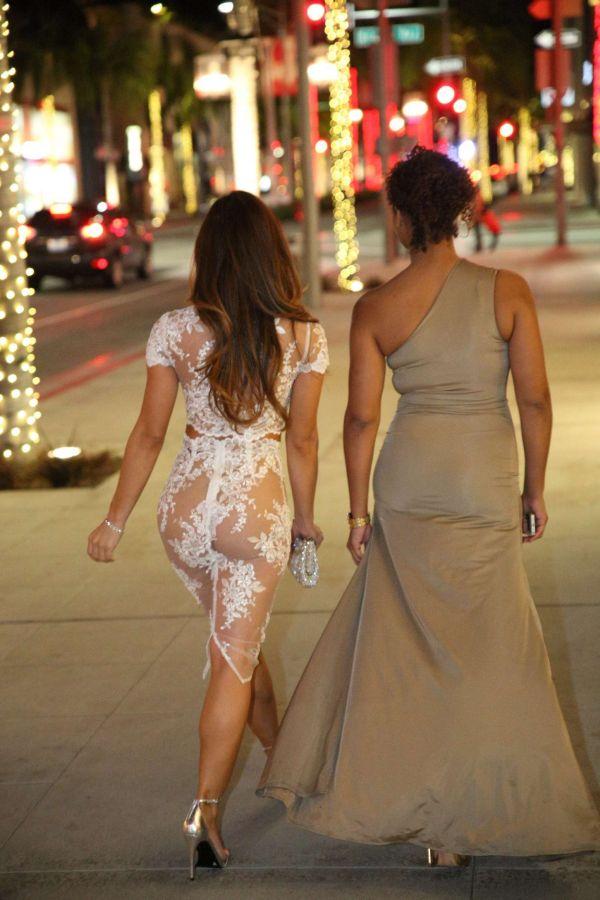 Дафни Джой явилась на публике в очень открытом платье (10 фото)