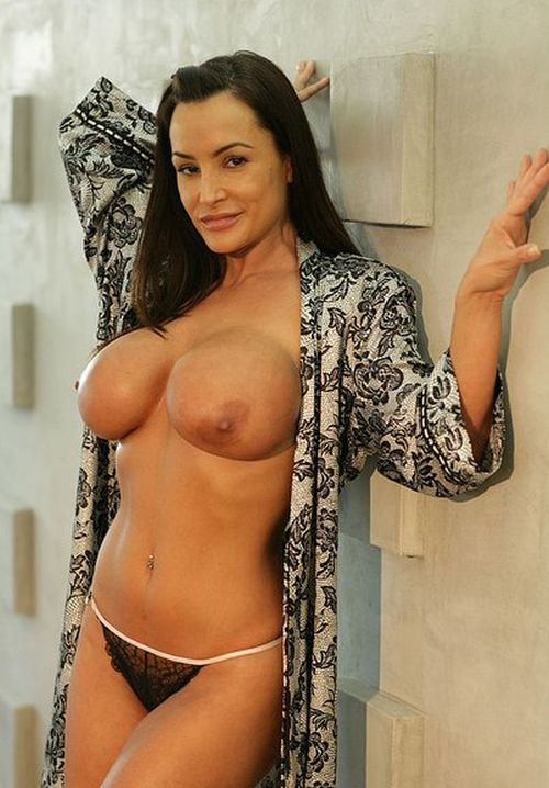 Лиза Энн окончательно ушла из мира порно (48 фото)