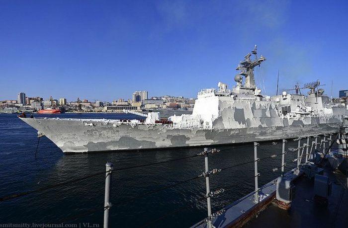 Во Владивосток пришли корейские военные корабли (22 фото)