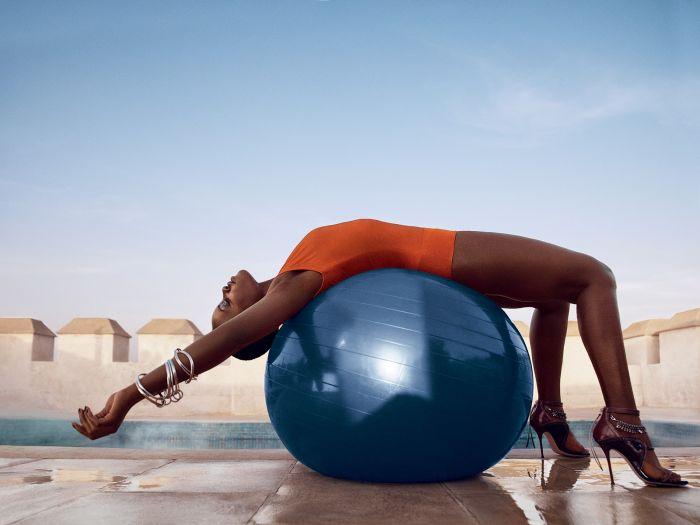 Fitness Magazine признал фигуру Люпиты Нионго лучшей среди звезд (32 фото)