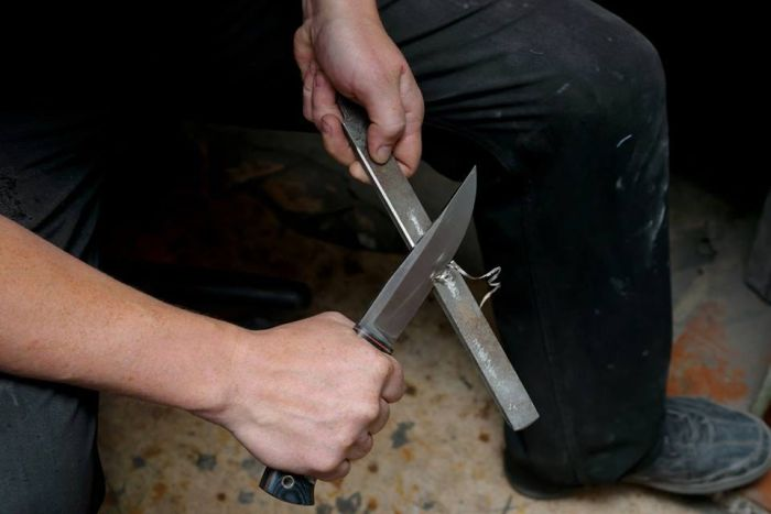 Değişik Metallerden Bıçak Yapımı (30 Fotograf)