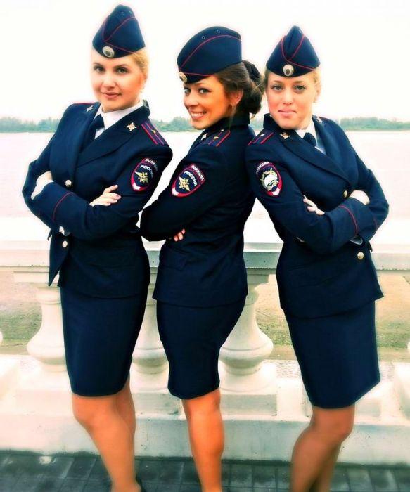 Полицейские занимаются сексом с девушками полицейскими