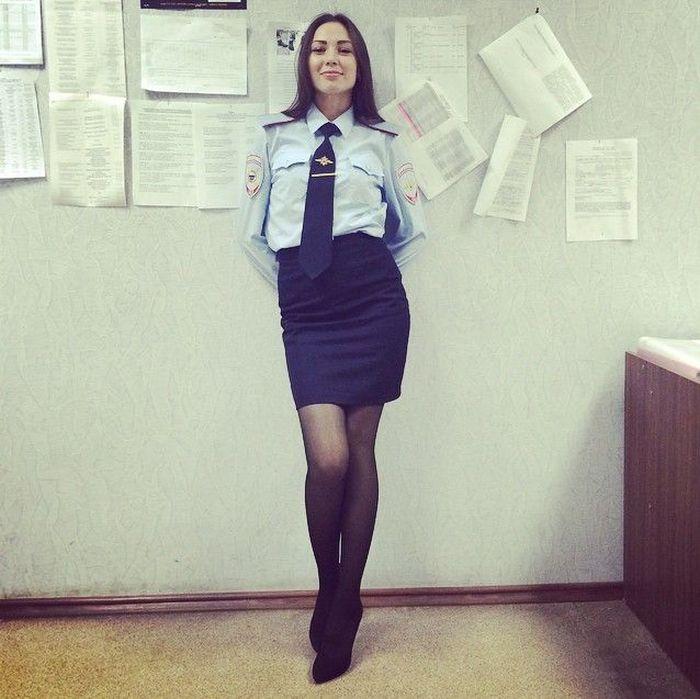 Девушки в милицейской юбках фото 451-134