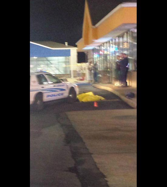 В США полицейским был убит еще один подросток (8 фото)