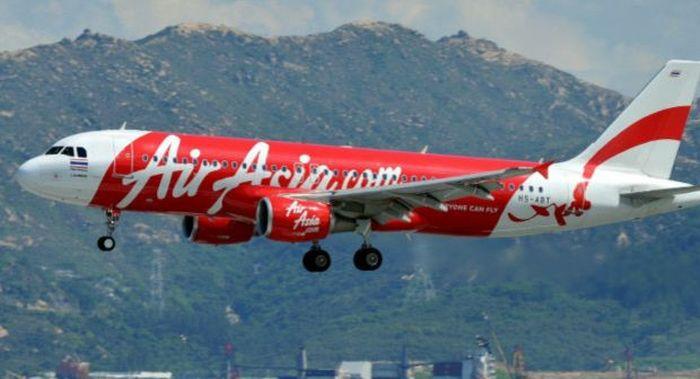 В небе над Индонезией исчез малазийский самолет (10 фото)