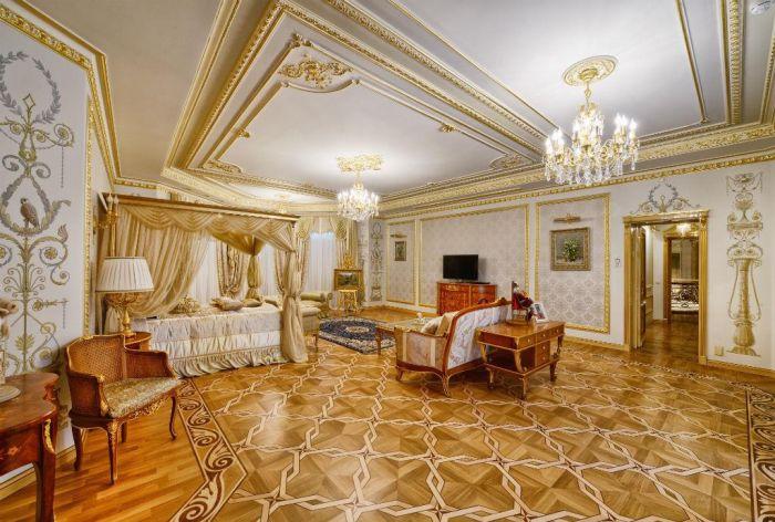 На Рублевке продают дворец за 100 миллионов долларов (24 фото)