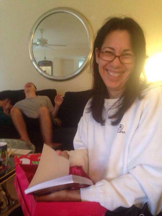 Книга «Секс после 40» - рождественский подарок для мамы (4 фото)