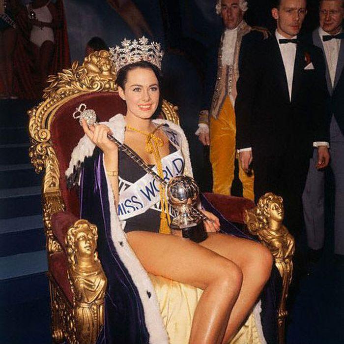 """Победительницы конкурса """"Мисс мира"""" XX века (52 фото)"""