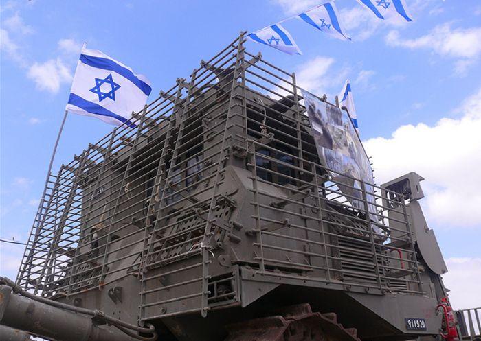 Бронированный «плюшевый мишка» из Израиля (16 фото)