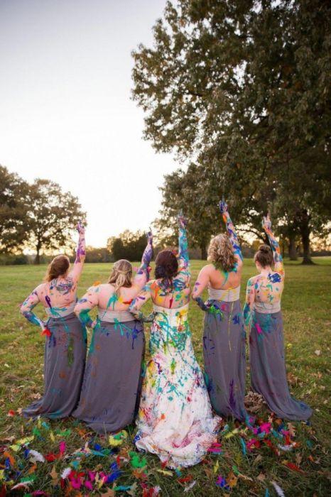 Девушка избавилась от депрессии, испортив свадебное платье (22 фото)