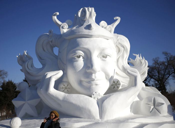 В Харбине проходит фестиваль скульптур из снега и льда (27 фото)
