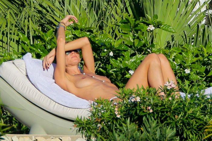 В сеть попали фото полуобнаженной Хайди Клум. НЮ (24 фото)