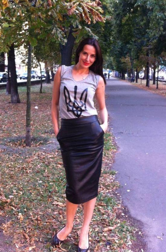Яника Мерило, советник министра Украины, и ее игривые фото (16 фото)