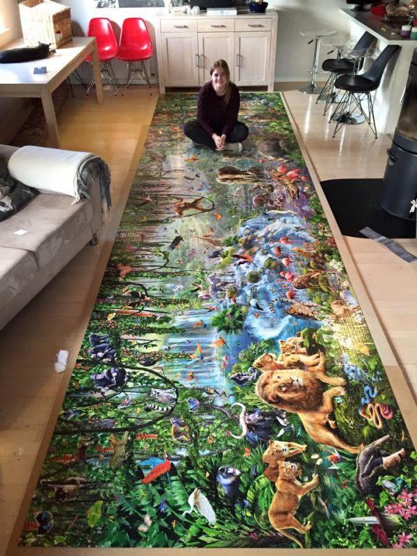 Девушка собрала самый большой в мире пазл (6 фото)