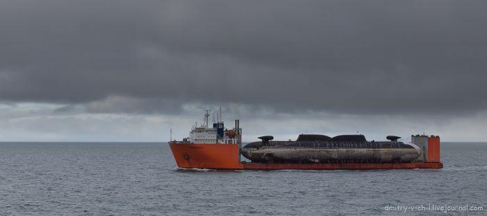 Транспортировка подводных лодок по Северному морскому пути (14 фото)