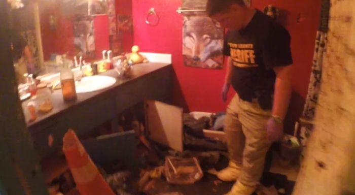 Полиция США пришла в ужас, проводя обыск в доме преступника-сатаниста (33 фото)