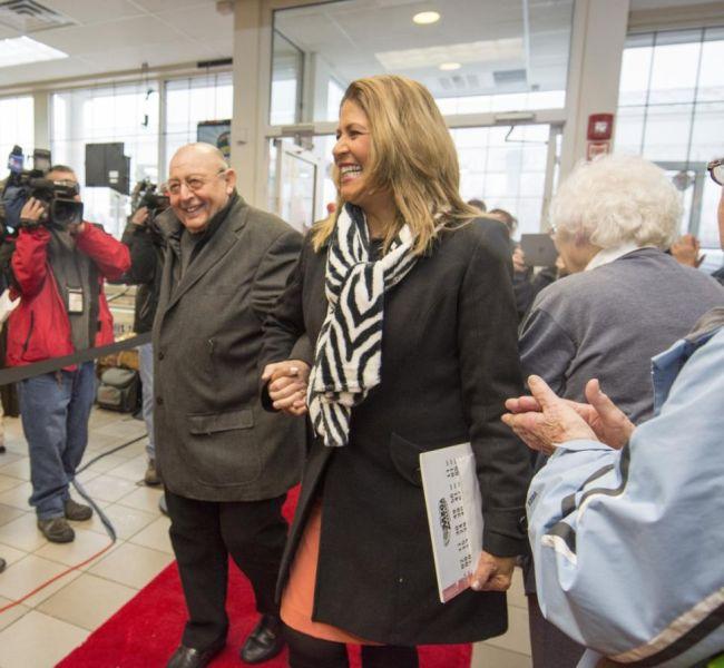 В США 80-летний пенсионер выиграл джек-пот в 326 млн долларов (3 фото)