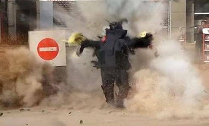 Опасная работа израильских саперов (4 фото)