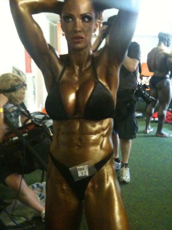 Мышцы или женственность (4 фото)