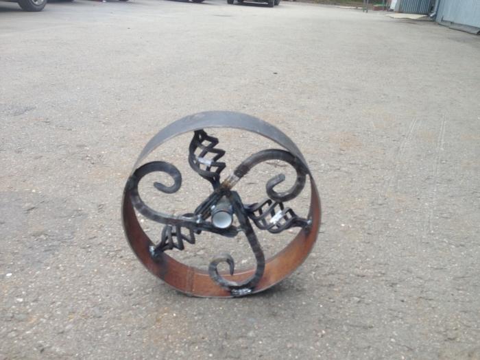 Оригинальный мангал в виде паровоза (40 фото)