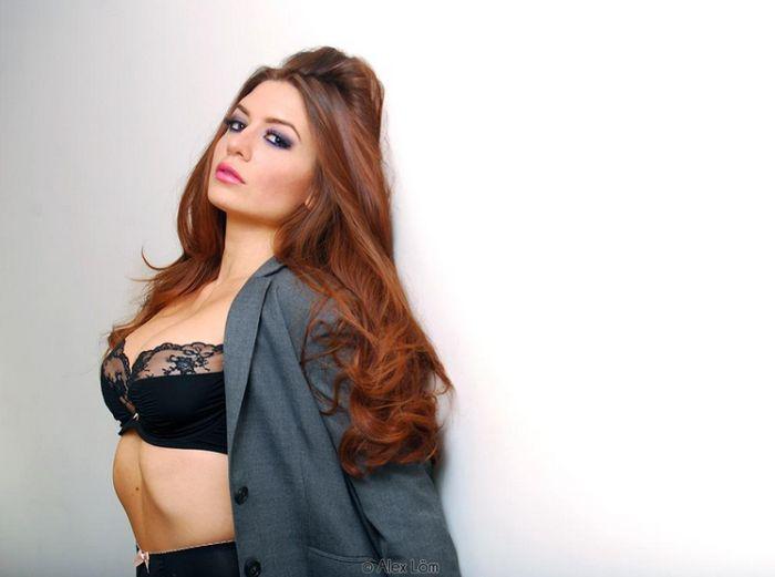 Пейдж Дженнингс (Вероника Вэйн) оставила мир финансов, решив стать порноактрисой. НЮ (15 фото)