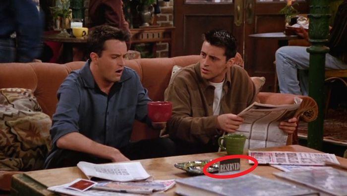 СМИ раскрыли секрет везения героев сериала «Друзья» (9 фото)