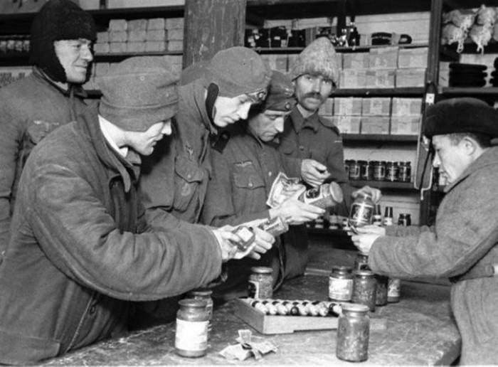 Условия содержания немецких военнопленных в СССР (3 фото + текст)
