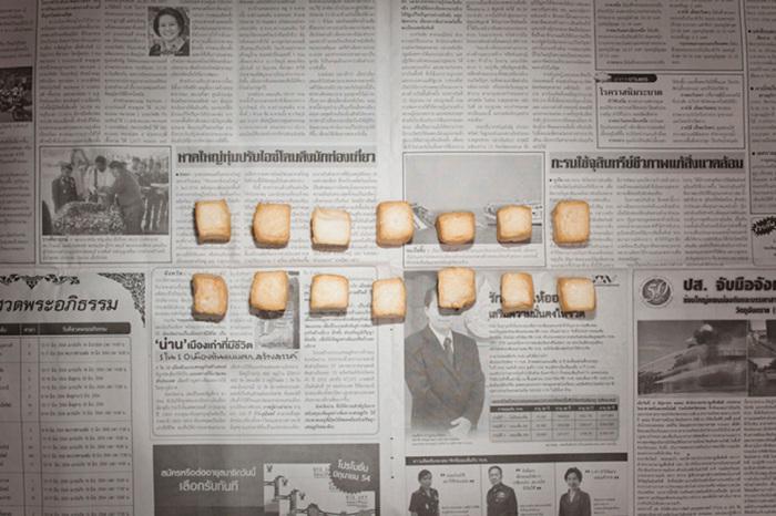 Фотопроект «За чертой бедности» о покупках людей с минимальным достатком (19 фото)
